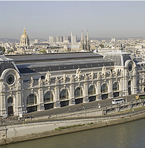 Musee D'Orsay on river Seine